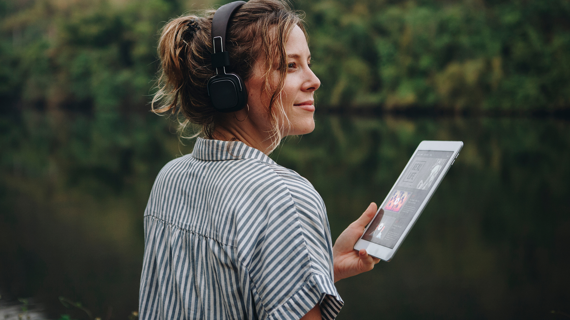 A woman looking after her mental health with digital therapy